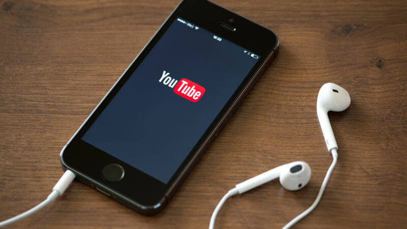 youtube-mobile-iphone1-ss-1920-800x450